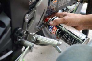Chai xịt sên Liqui-Moly Motorbike Kettenspray Chain-Lube 1591 400ml