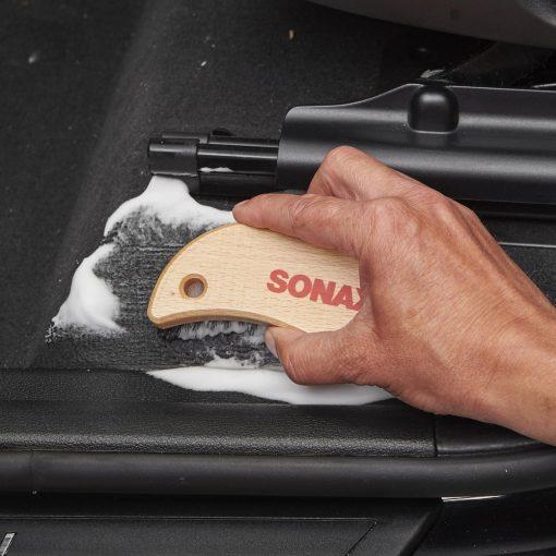 Bàn chải vệ sinh nội thất Sonax Textile & Leather Brush 416741 - phongsonauto